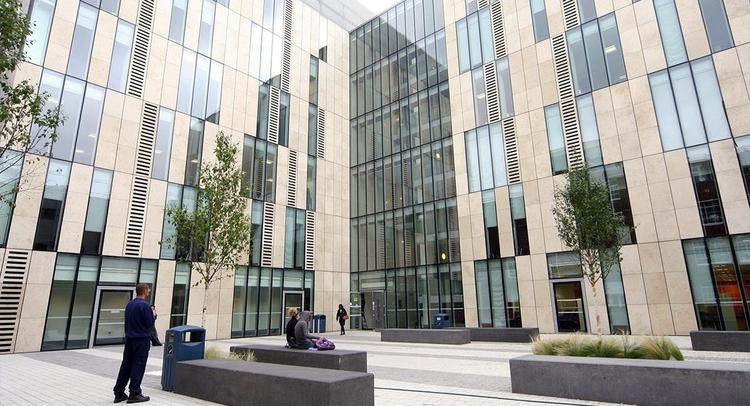 เรียนซัมเมอร์ต่างประเทศ Study abroad at Kingston University London UK